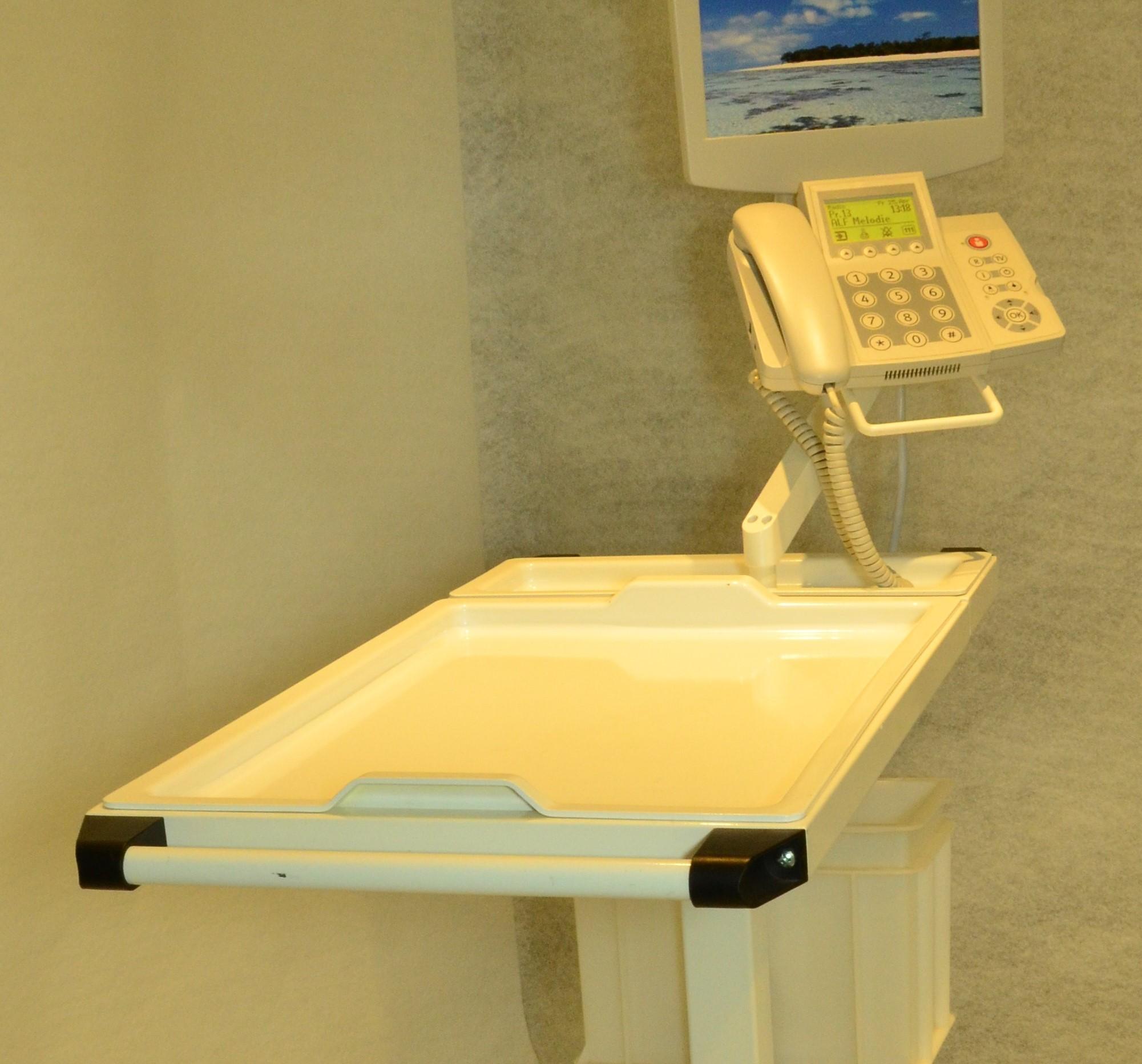 Spital-Mobiliar aus Hart-PVC / Verbund